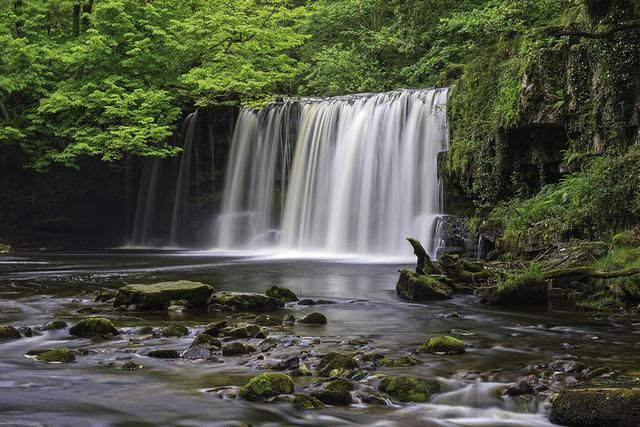 Upper Ddwli Falls Near Pontneddfechan Brecon Beacons